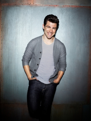 How Max Greenfield Makes Us Love a 'Douchebag'