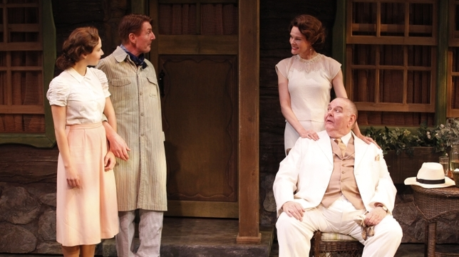 'Ten Chimneys' Is a Well-Acted, Revealing Look at Lunt-Fontanne Home Life